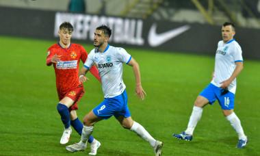 Andrei Ivan, într-un meci FCSB - Universitatea Craiova / Foto: Sport Pictures