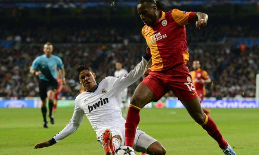 varane il opreste pe drogba real madrid-galatasaray 3-0