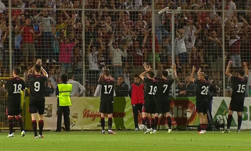 captura jucatori rapid aplauda fanii