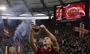 Totti selfie Olimpico