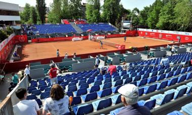 tenis azi