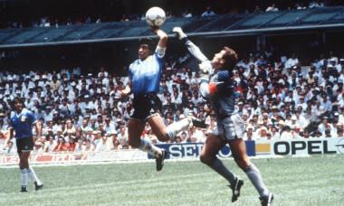 Maradona si Shilton (1)
