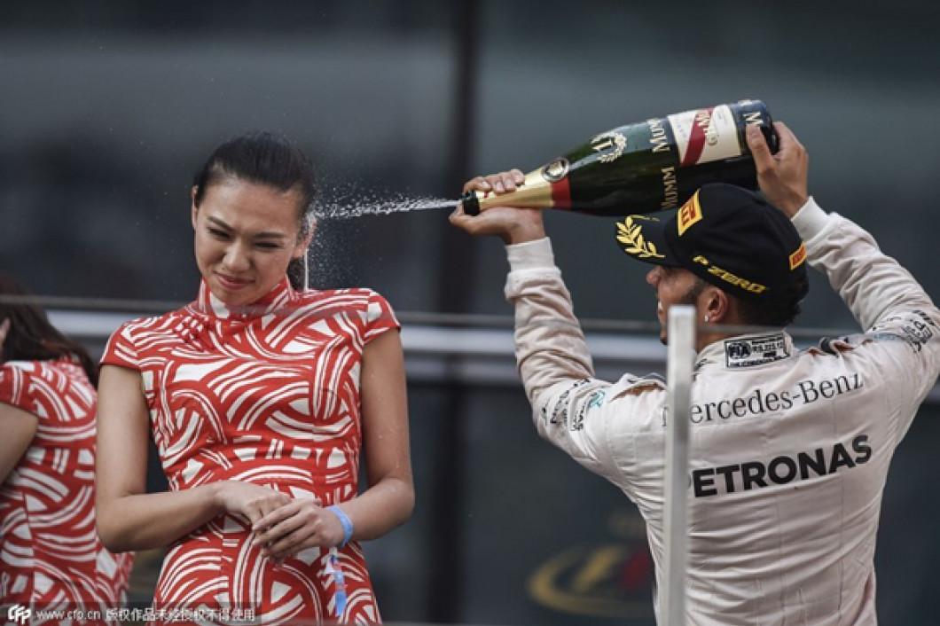 """""""Marele Circ"""" nu va mai fi la fel Formula 1 va renunţa la animatoare (9)"""