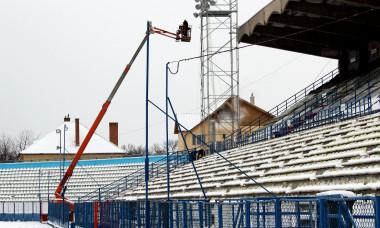 FOTBAL:MONTARE INSTALATIE NOCTURNA STADIONUL MUNICIPAL SIBIU (26.02.2018)