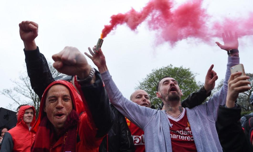 Liverpool fani politie4
