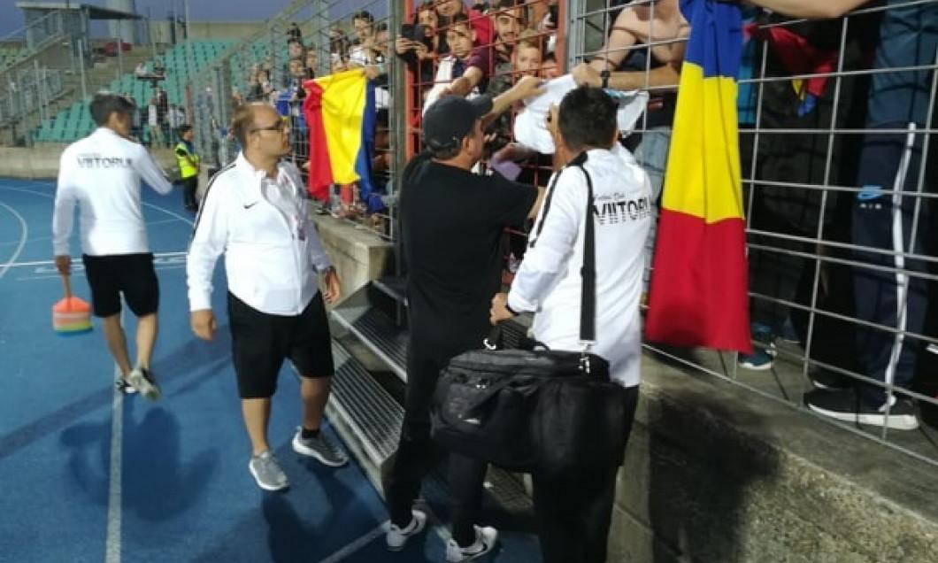 Hagi autografe 1 final Luxemburg