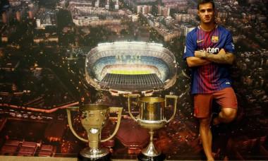 coutinho Barcelona trofee debut UEFA Champions League