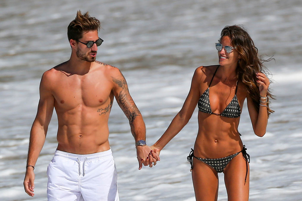 EXCLUSIVE: Kevin Trapp and girlfriend Izabel Goulart taking a swim on the beach in Saint Barths