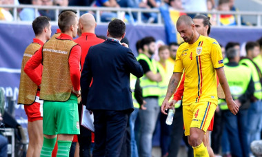 Gabriel Tamas părăsește terenul de pe Arena Națională