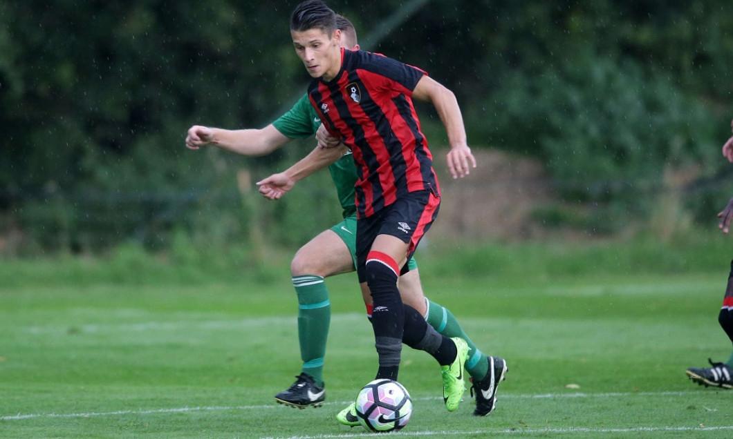 Mihai Dobre are șansa de a juca în Premier League