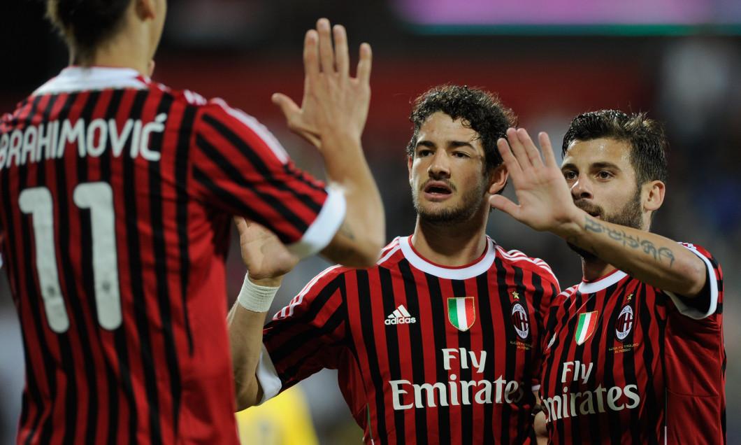 Paris Saint-Germain FC v AC Milan - Dubai Challenge Cup