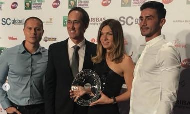 Simona Halep alături de echipa ei