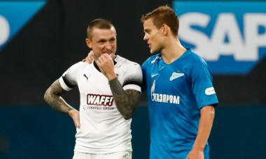 Kokorin și Mamaev, în timpul unui meci de fotbal