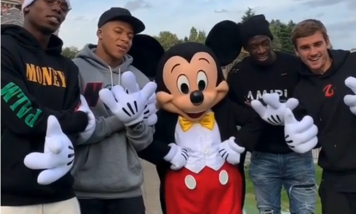 Pogba Mbappe Disneyland