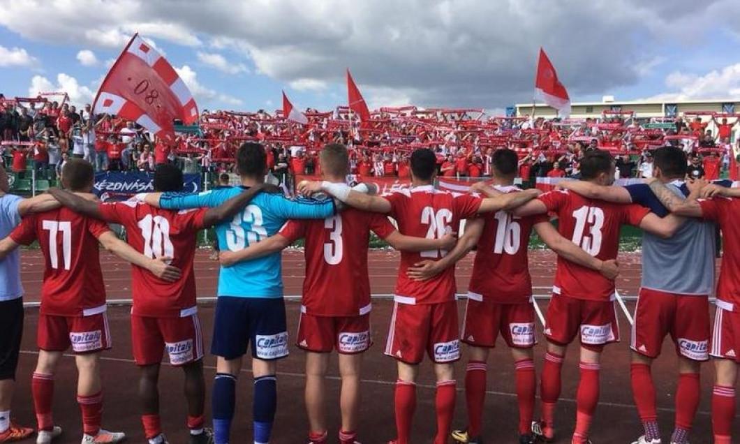 echipa Sepsi si suporterii gruparii din Sf Gheorghe