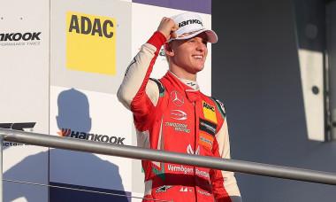 Mick Schumacher fiul lui Michael Schumacher face pasul in Formula 2