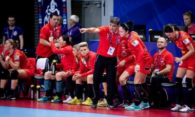 Ambros Martin dă indicații în timpul meciului cu Norvegia