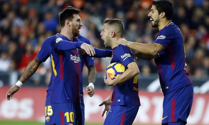 Messi Alba si Suarez