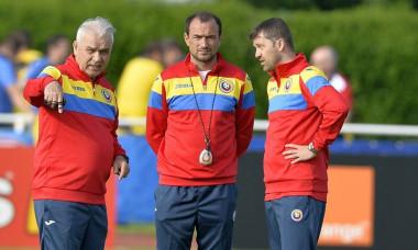 Ionut Badea, in mijloc, Anghel Iordanescu, Daniel Isaila