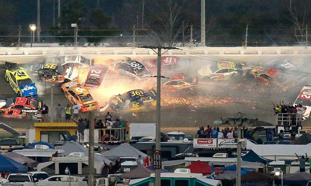Accident NASCAR