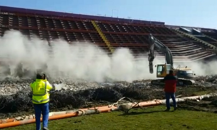stadion rapid demolare