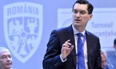 Răzvan Burleanu aşteaptă verdictul comisiilor FRF