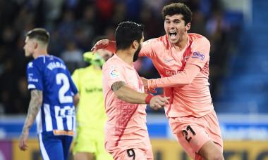 Deportivo Alaves v FC Barcelona - La Liga