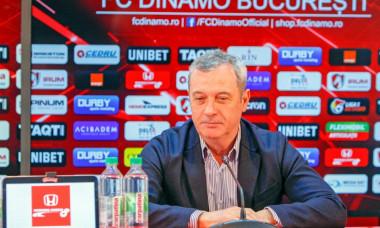Mircea Rednic a respins transferul a doi foști doi dinamoviști. Va aduce alți patru-cinci jucători