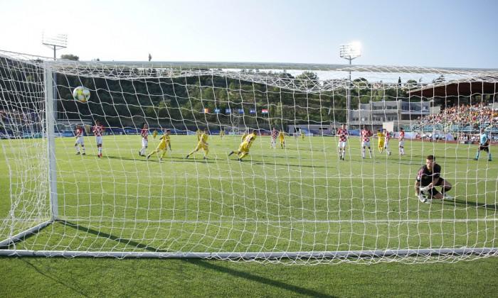 puscas gol romania-croatia penalty