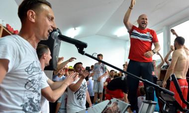 Hermannstadt a ramas in Liga 1. Vasile Miriuta a dansat pe mese