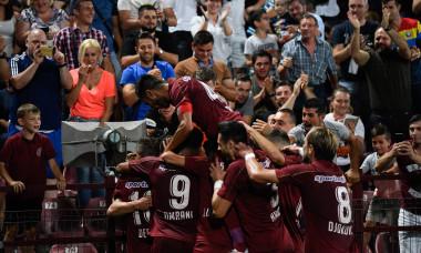 Jucătorii lui CFR Cluj se bucură după golul lui Rondon sursa foto:sportspictures