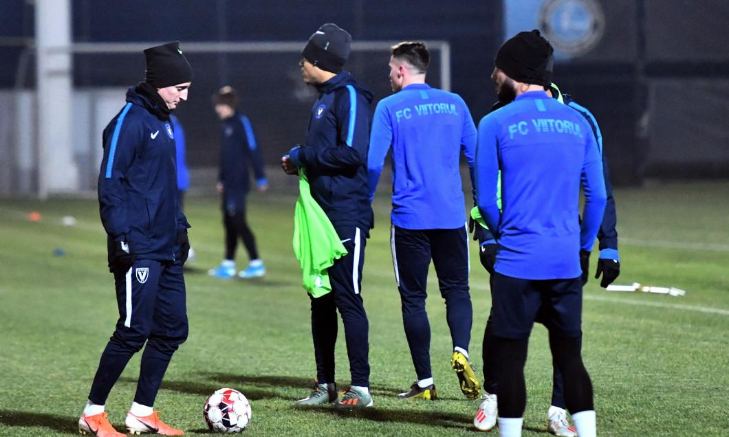 FOTBAL:ANTRENAMENT FC VIITORUL (9.01.2020)