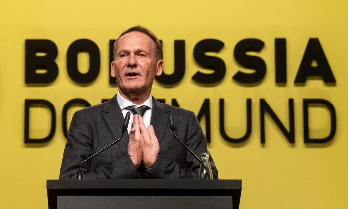 Dortmund, Germany. 25th Nov, 2019. Soccer: Bundesliga, Annual General Meeting of Borussia Dortmund GmbH & Co. KGaA: Managing Director Hans Joachim Watzke speaks to the shareholders. Credit: Bernd Thissen/dpa - IMPORTANT NOTE: In accordance with the requir