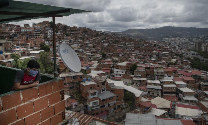 Daily Life in Venezuela's Toughest Slum During Coronavirus Outbreak