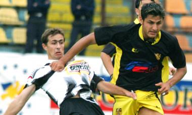 FOTBAL:FC BRASOV-APULUM ALBA IULIA 4-1 DIVIZIA A (18.09.2004)
