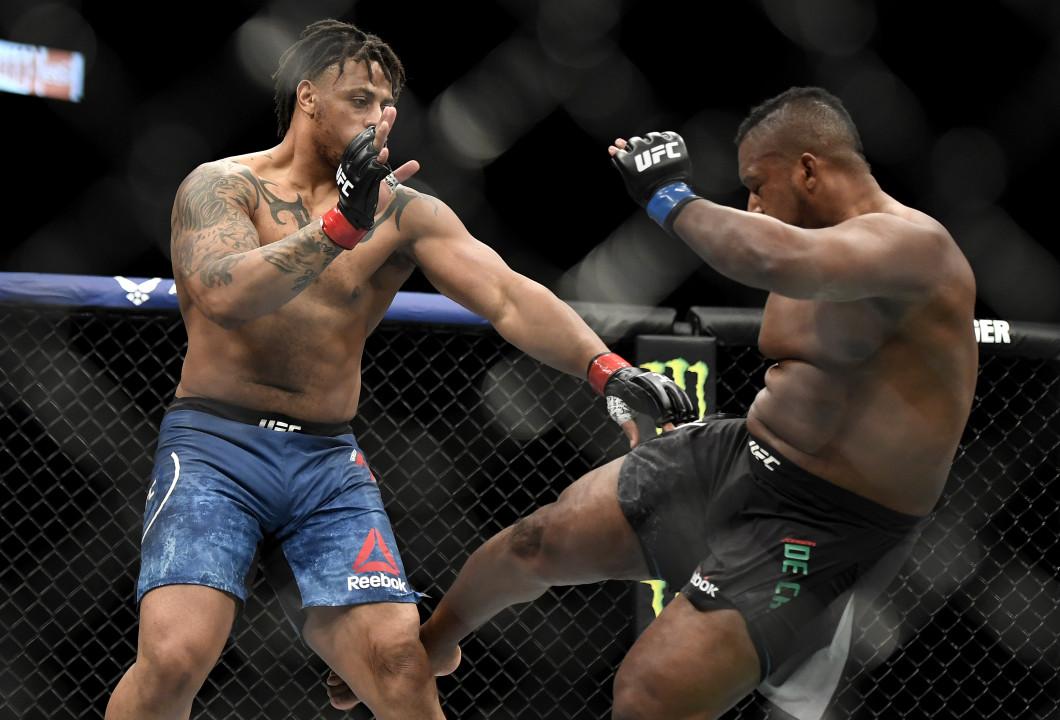 UFC 249 Hardy v De Castro
