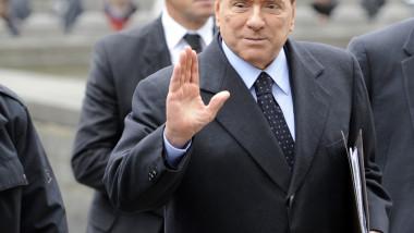 Silvio Berlusconi: Am fost acuzat de orice, mai puţin că aş fi homosexual