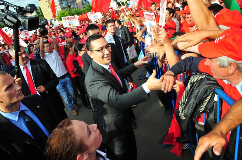 Victor Ponta spune că PSD va susține întoarcerea la votul pe liste | MEDIAFAX FOTO