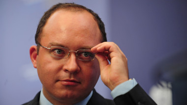 Traian Băsescu i-a decorat pe negociatorii acordului privind scutul antirachetă
