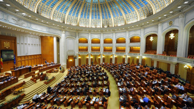 Săptămâna aceasta deputații au muncit cinci ore, iar senatorii trei ore