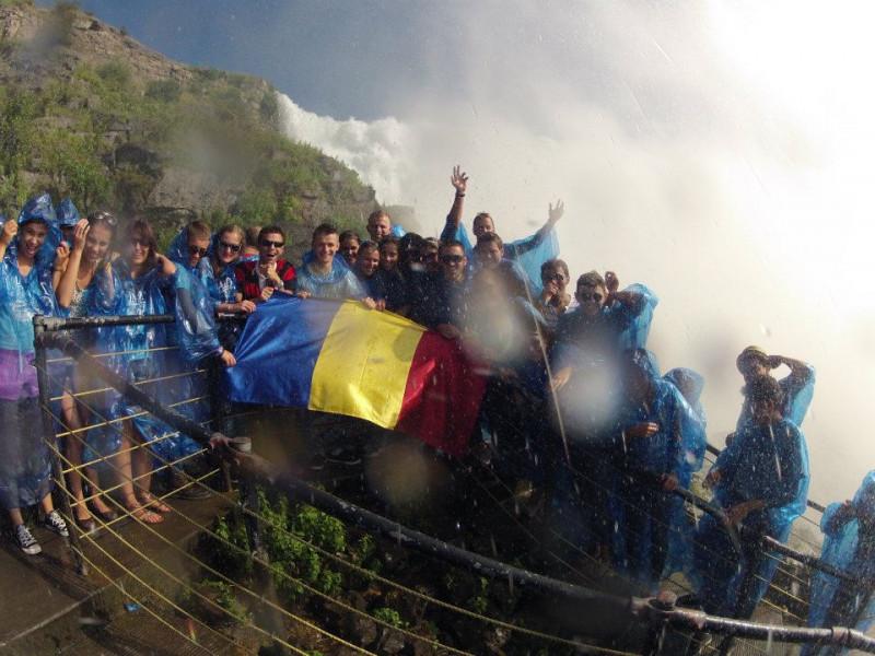 Studenții români, la cascada Niagara | FOTO: FACEBOOK