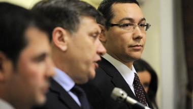 Traian Băsescu: USL nu se sparge, îi unesc interesele
