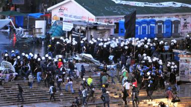 protestatari la parcul gezi -5789475-AFP Mediafax Foto-OZAN KOSE