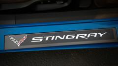 2014-Chevrolet-Corvette-Stingray-Coupe-Premiere-Edition-door-sill-1500x996