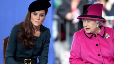 queen-elizabeth-kate-middleton-prince-william-32706902-594-412