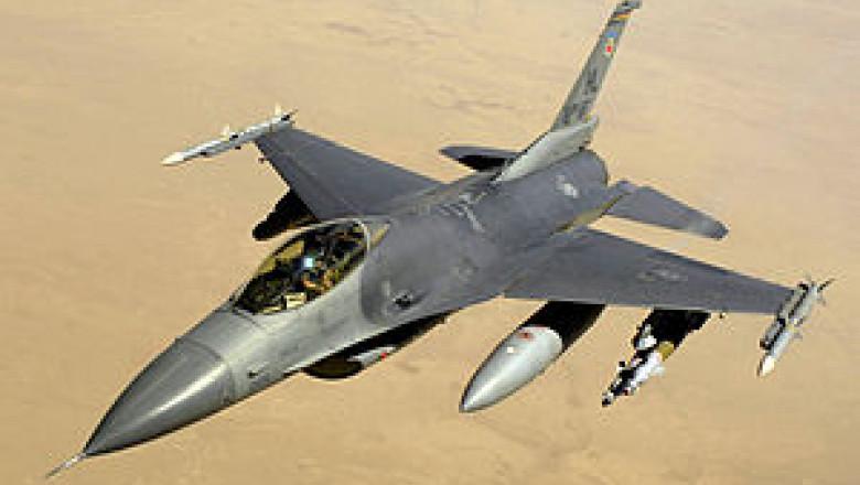 avion F-16 1