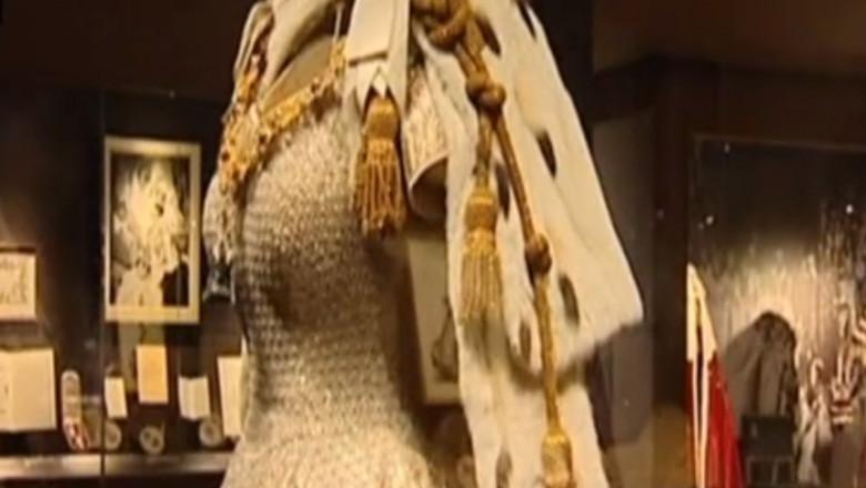 rochie regina