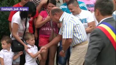 Traian Băsescu a participat la un târg tradițional de Sfântul Ilie, în județul Argeș