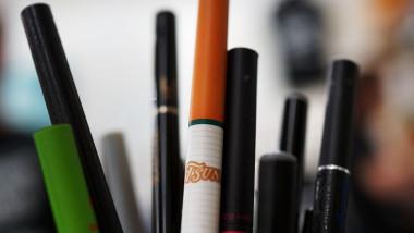 tigara electronica-tigari fumat 5773082-AFP Mediafax Foto-SPENCER PLATT