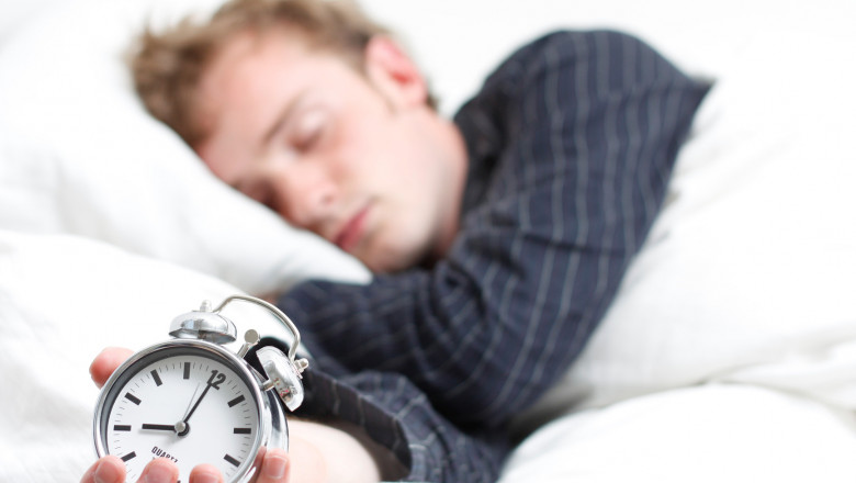 sleeping-improves-athlectic-performance-your-student-body-